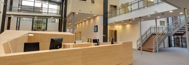 Bekijk het interieur van Gemeentehuis Zeist op Google Maps | atelier PRO